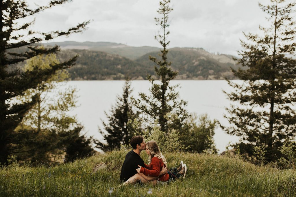 Columbia River Gorge Engagement Photo Location